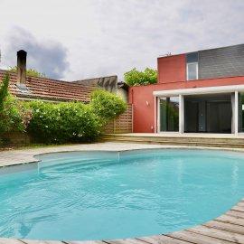 BORDEAUX Caudéran les maréchaux, maison-loft avec jardin et 2 stationnements, 3 chambres, 1 bureau