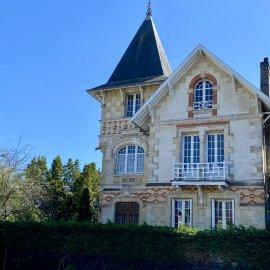 Maison de prestige, jardin, piscine, stationnements, Bordeaux Primrose
